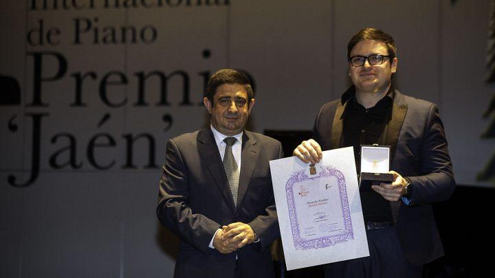 """Alexander Panfilov se alza con el primer premio del 58º Concurso Internacional de Piano Premio """"Jaén"""" de la Diputación"""