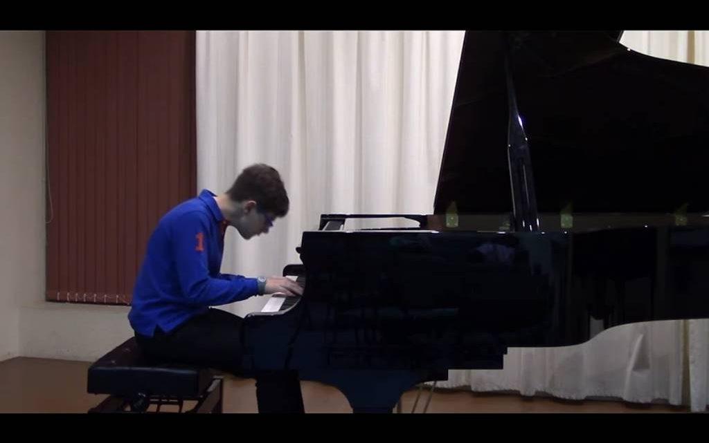 """Los jóvenes pianistas Antonio Carrascal, de Sevilla, y Alberto Quirante, de Almería, ganan el Concurso """"Mi Piano"""""""