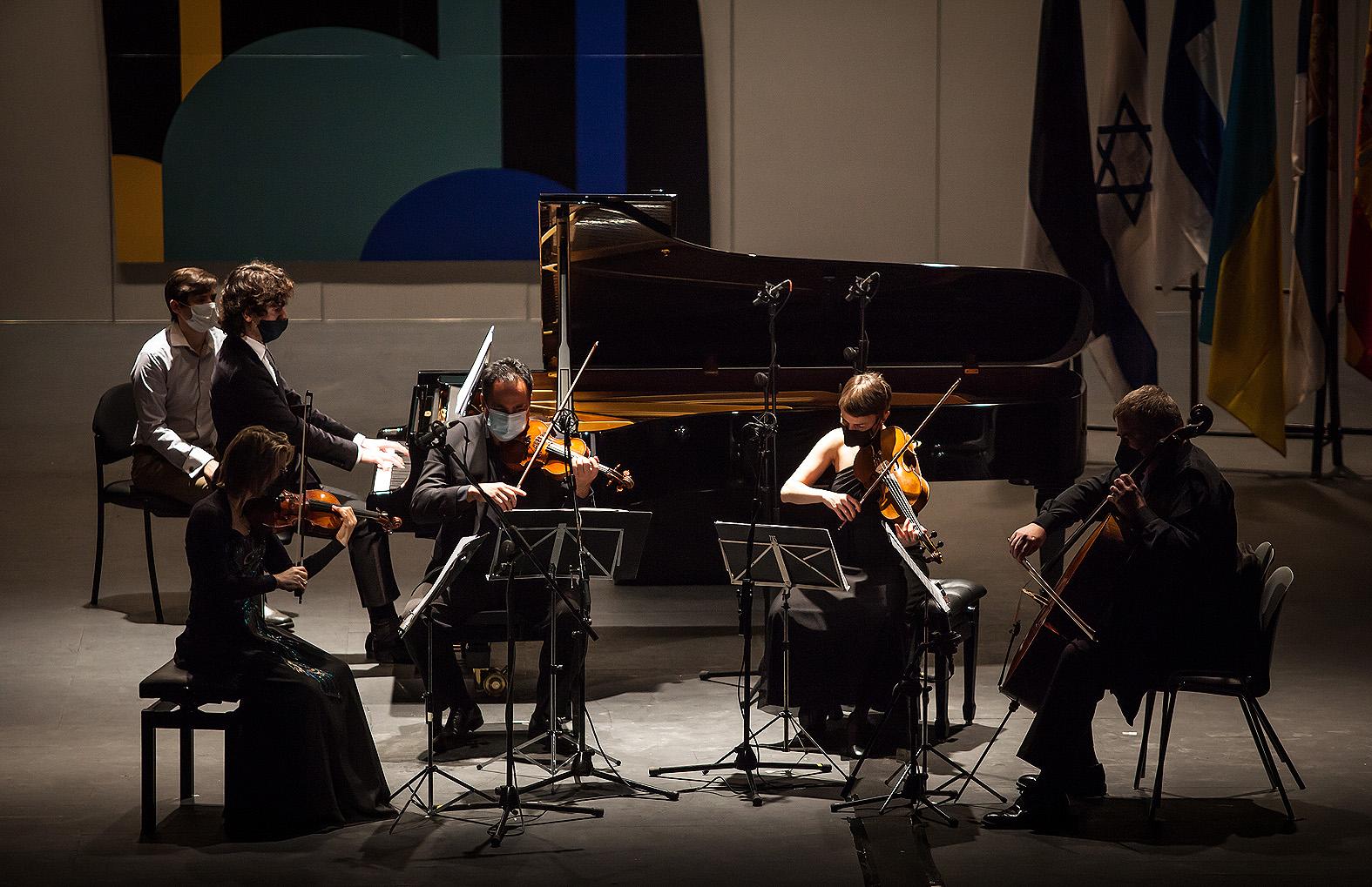 Aidan Mikdand de Holanda con el Cuarteto Bretón
