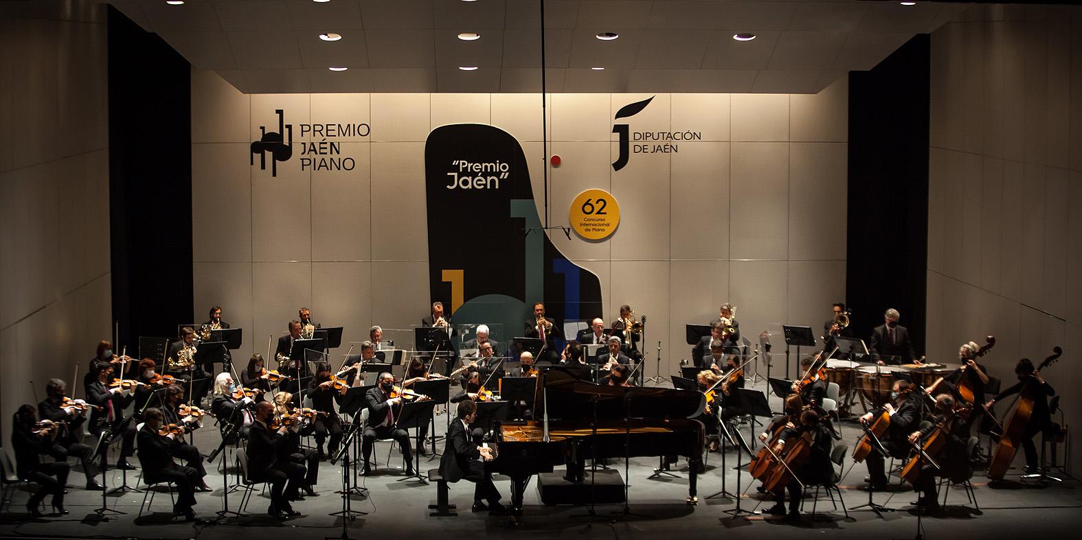 El ganador Valentin Malinin con la Orquesta Filarmónica de Málaga
