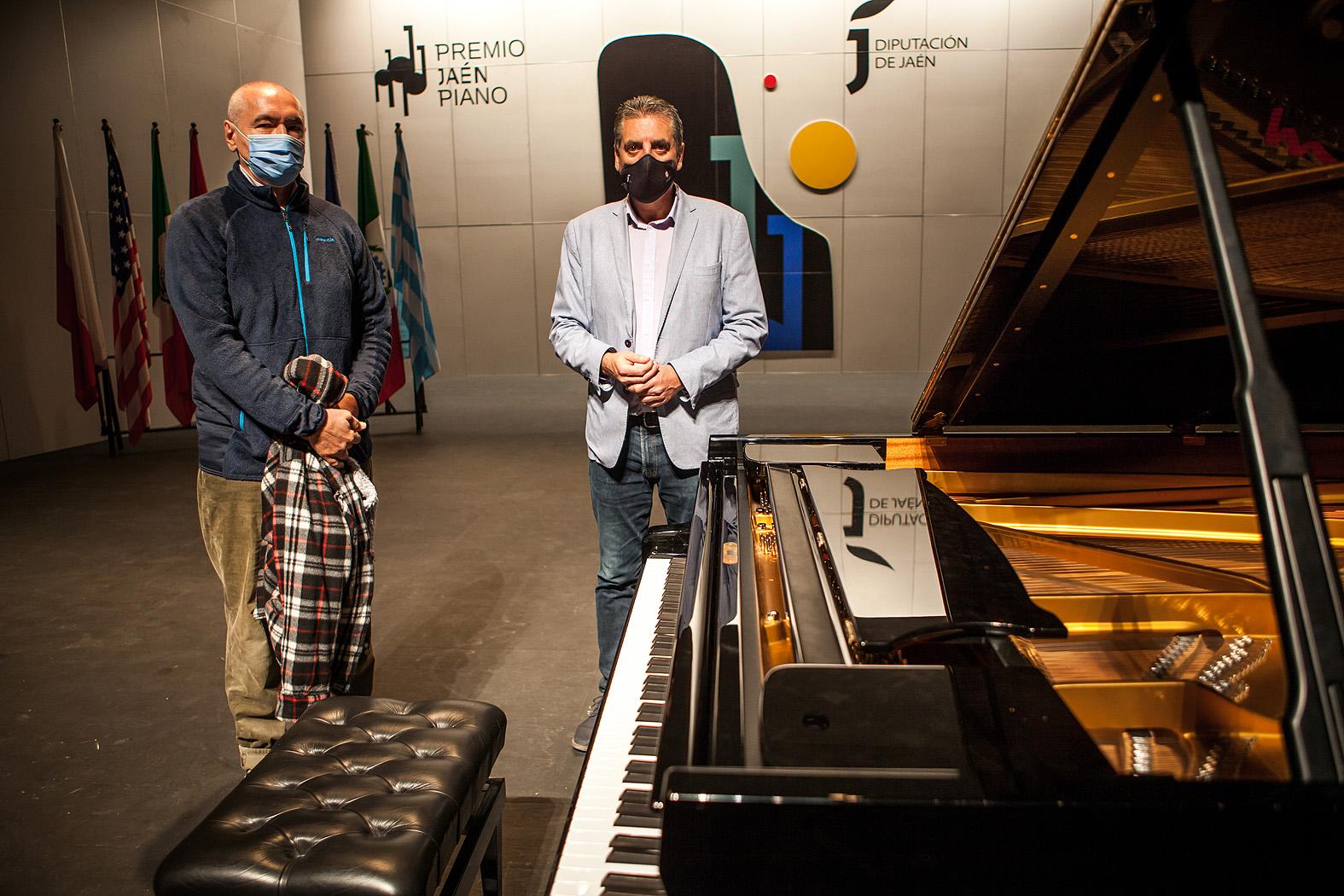 Ivo Pogorelich, pianista inaugural con el diputado de cultura Ángel Vera